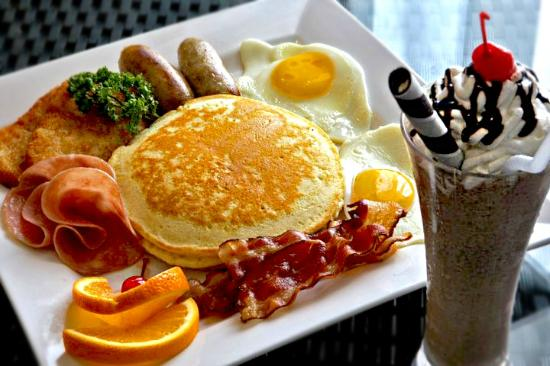 The Lake Hotel Tagaytay : Breakfast that will put smile on your face when you wake up