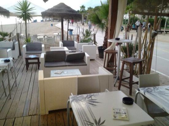 Tiare beach bar pineda de mar restaurant avis num ro for Restaurant pineda de mar