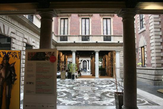 Bagatti Valsecchi Museum: cortile
