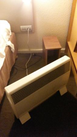 Campanile Villejuif : Radiateur électrique pour chauffer la chambre