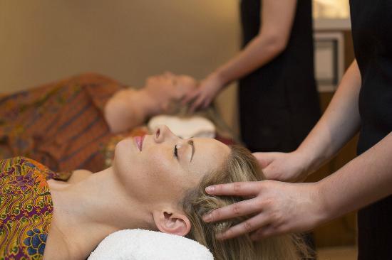 Fawkham, UK: Enjoy spa treatments
