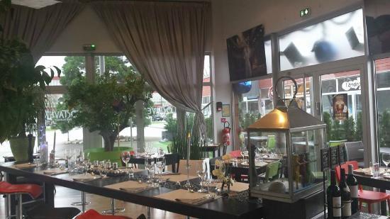 Nouvelle deco restaurant Octave - Picture of Chez Octave ...