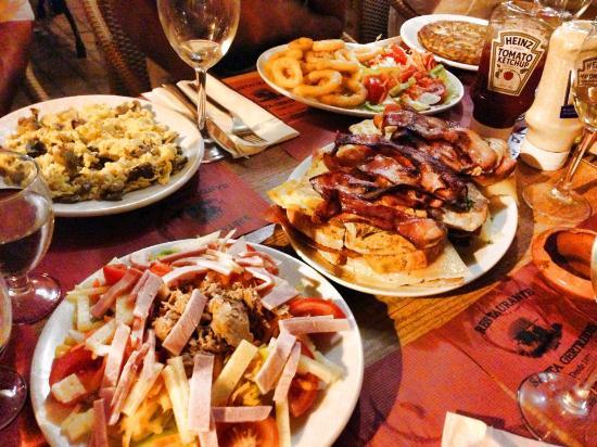Bistro Plaza Santa Gertrudis: restaurante Santa Gertrudis