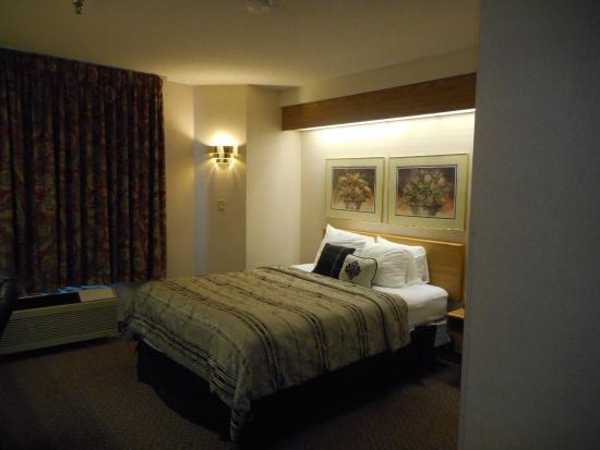 Pleasant Stay Inn: Queen Room