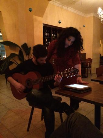 Jamas: Sonntagabend Livemusik