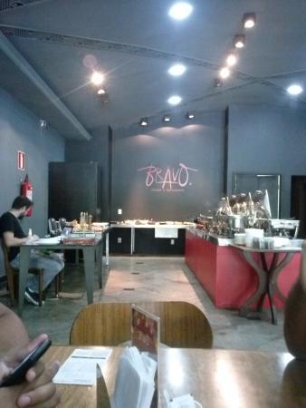 Bravo Lounge e Restaurante