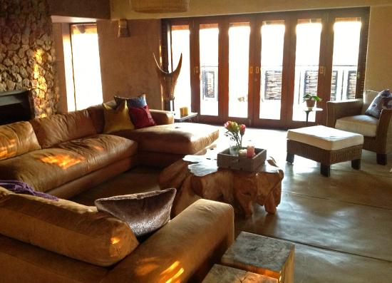 Aloe Lane Guest Lodge: Lounge area