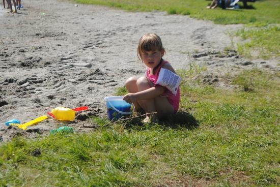 Sveastranda Camping: Lek i strandkanten