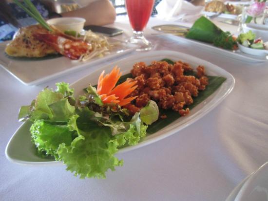 Lotus Restaurant : Chicken Gristle