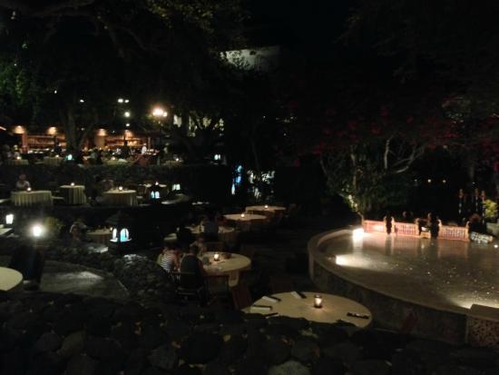 Pasar Senggol: Ужин и Шоу