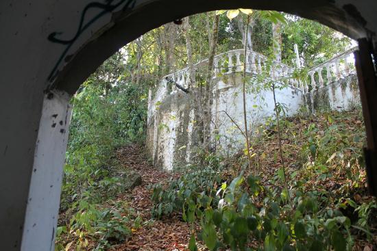 Daystar Bahia Azul: Ruins hidden in mountain between Jaco & Hermosa.