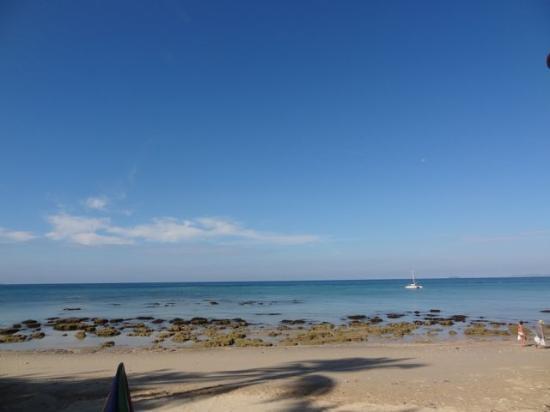 Moonwalk Lanta Resort: beach