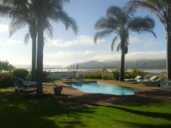 Point Lodge on the Water's Edge, Knysna Lagoon: Stunning setting next to the water