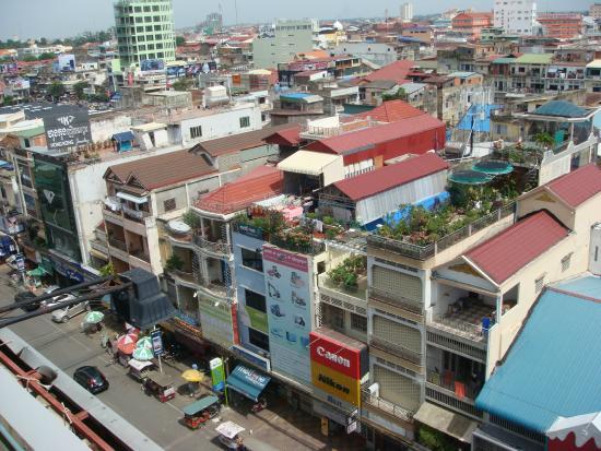 Rain Rock Hotel : view over Phnom Penh