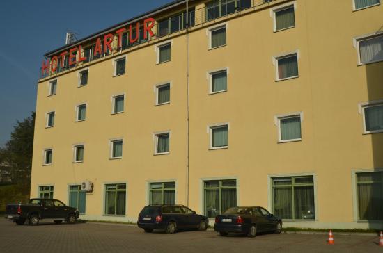 Hotel Artur: Парковка