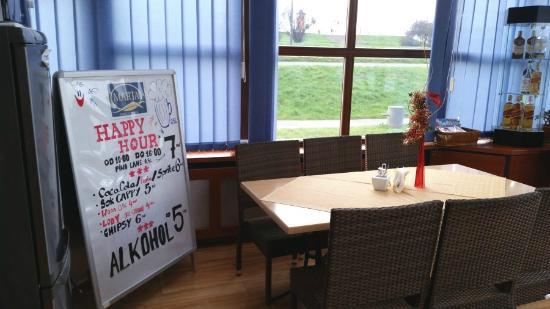Marta Hotelik na Wodzie: breakfast area - looking towards land side
