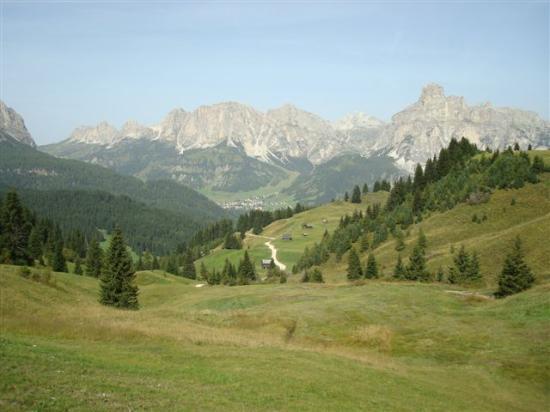 Corvara in Val Badia, Sassòngher e Gruppo Puez-Odle