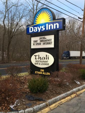 Days Inn Ridgefield: Motel sign