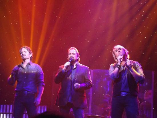 Starlite Theatre : Three Beautiful Men, Three Beautiful Voices.