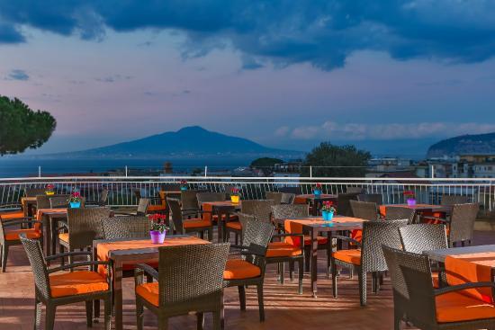 Hilton Hotel Sorrento Reviews