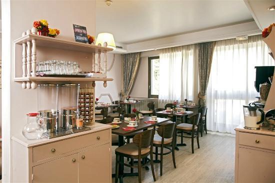 Qualys-Hotel Rueil La Défense : Buffet petit-déjeuner