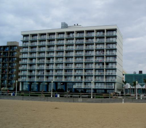 Comfort Inn & Suites Oceanfront: This is a view of our hotel from the beach.