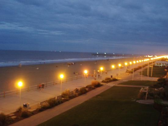 Comfort Inn & Suites Oceanfront : This is one of the night views from our 4th floor room.