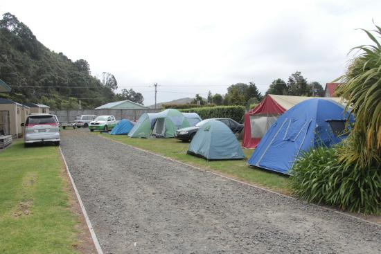 Cooks Beach Resort: Camping area set up with school tents
