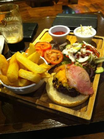 Clayton Hotel Silver Springs: bar food