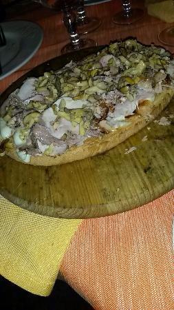 Hosteria Pizzeria La Pennata: Bruschettone con la porchetta