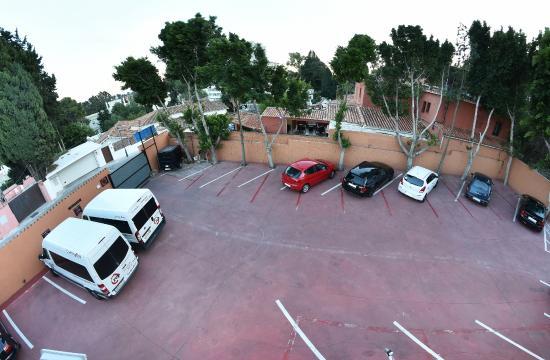 Hotel Zen Airport: Parking Hotel