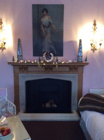 Stobo Castle: Murray room decorated by us!
