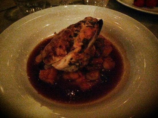 Gee's Restaurant : Lemon chicken with butter beans, chorizo and chestnut mushrooms