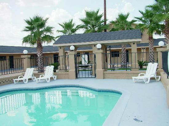 Pool - Picture of Budget Inn Monroe - Tripadvisor