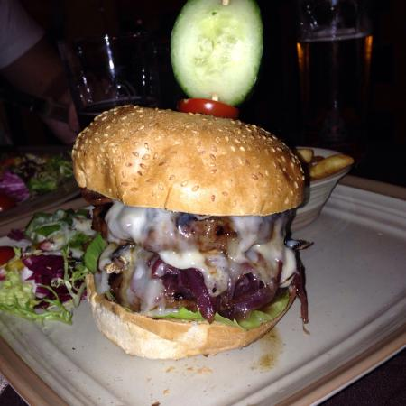 Calico Jack Restaurant & Bar: Jack sparrow burger was amazing !