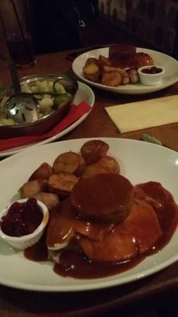 Orchard Hotel Restaurant: Christmas dinner