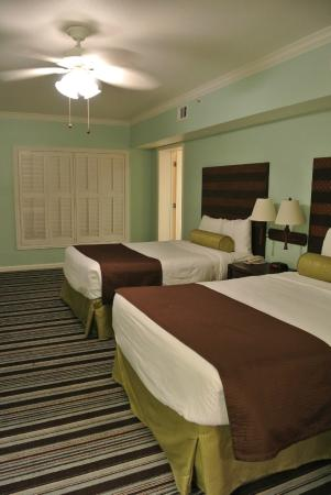 WorldMark Kingstown Reef : Two Queens Room.