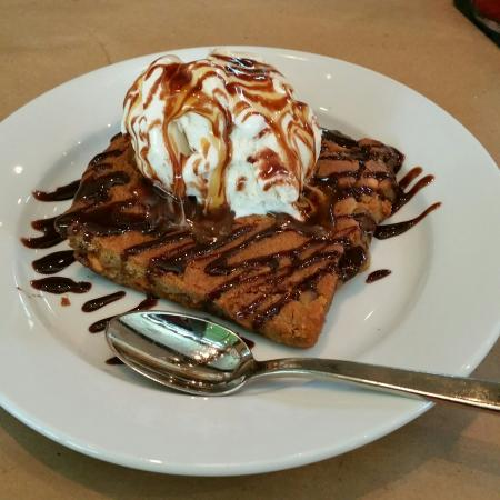 Truffles Cafe Bluffton: If you have sweettooth, love chocolate and carmel....dont pass this up!