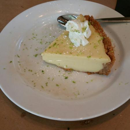 Truffles Cafe Bluffton: Keylime pie.....unbelievable
