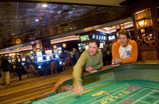 Carson Valley Inn : Table Games