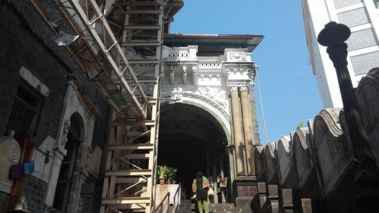 Babulnath Temple: way to temple