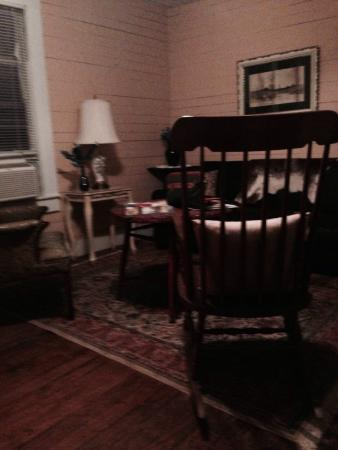 BlissWood Bed and Breakfast Ranch: Bluebonnet living area