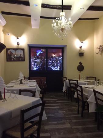 sala - Foto di ANTICA TRATTORIA DA PEPPINO ``taverna del caravaggio ...