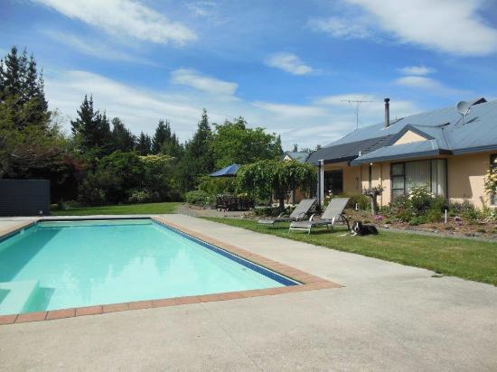 Wai-Natur Naturist Park: Our heated pool and homestead