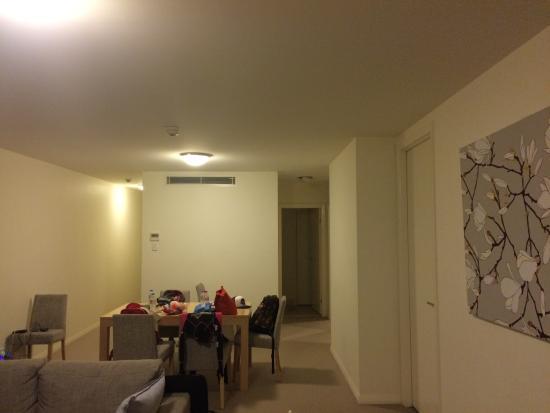 Domain Serviced Apartments: Modern design. Comfy living area.
