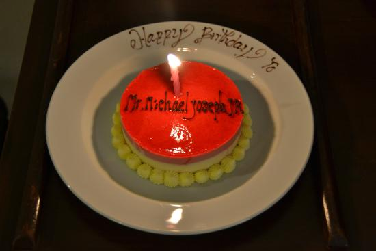 Unsolicited Wonderful Birthday Cake For My Hubby During Our Stay It