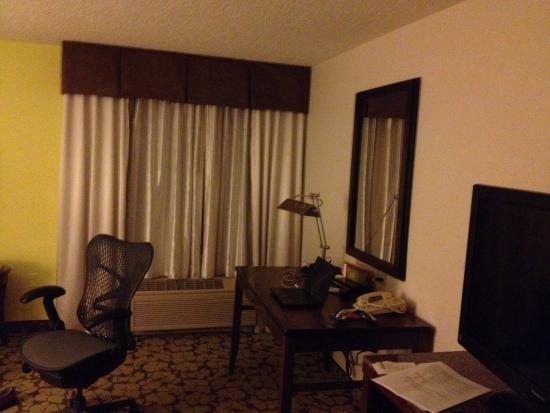Hilton Garden Inn Orlando Airport: Room 411