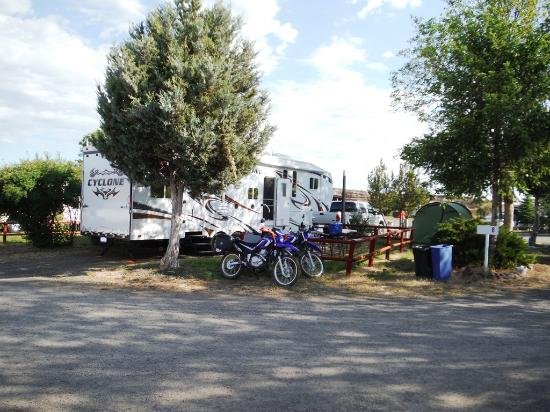 Log House RV Park & Campground: 35 ft Toy Hauler plus truck and Toys