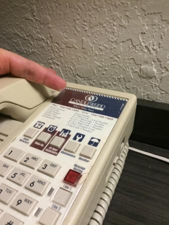 Candlewood Suites Somerset : phone covered in dust