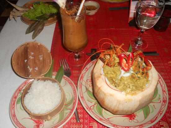 Madame Butterfly : lobster and shrimp in a coconut sauce
